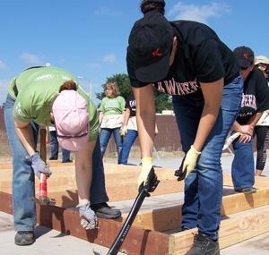 Women Build Volunteers 2016